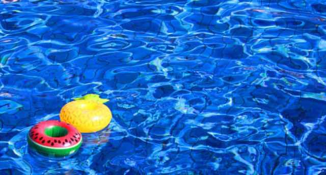 プールの持ち物リスト!便利なものと子連れ・屋内プールでの必需品