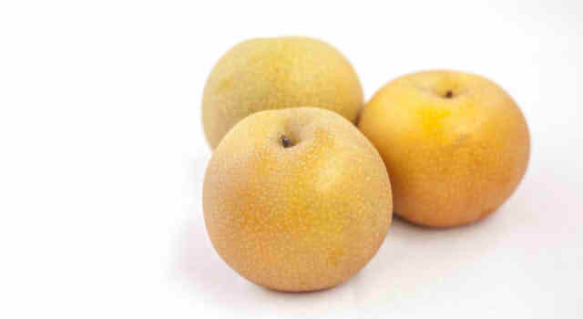 梨のカロリーは1個でいくら?半分や4分の1、8分の1では?糖質と栄養について