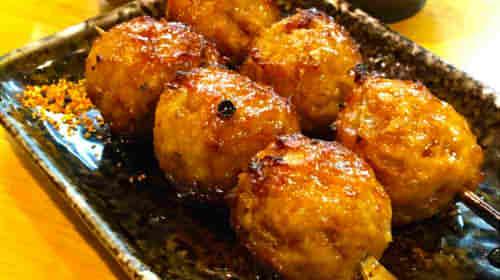 つくねのカロリーは一本や1個でいくら?焼き鳥や冷凍食品,おでんではどのくらい?