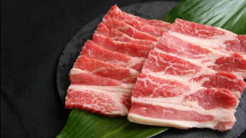 牛カルビ(ばら肉)のカロリーは100gや焼肉1枚でいくら?糖質やタンパク質はどのくらい?