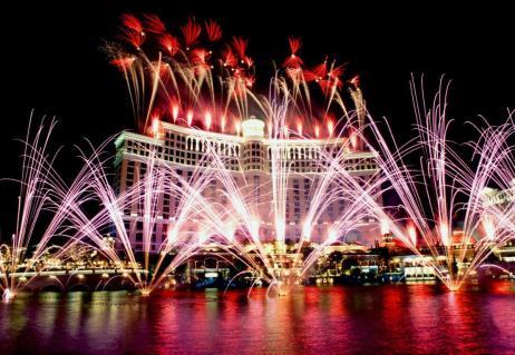 Bellagio Hotel opening fireworks. 10/18/98