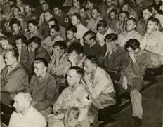 soldados alemanes Así reaccionaron cuando vieron imágenes de los campos de concentración en 1945.