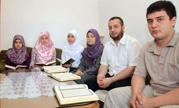 Jedinstvena porodica u Evropi: Pet hafiza u kući travničke porodice Bektaš