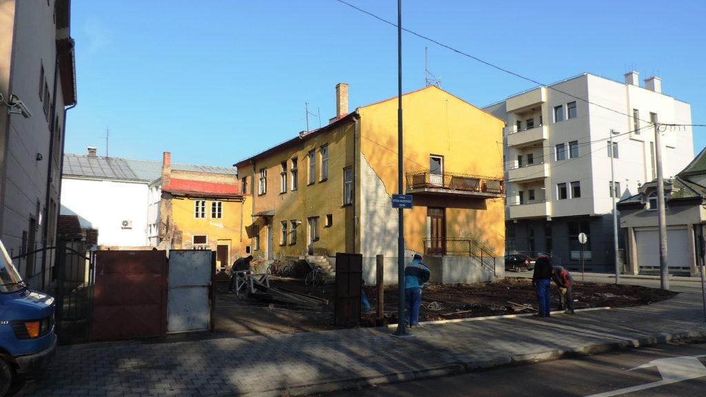 Ograđivanje dvorišta budućeg Školskog centra