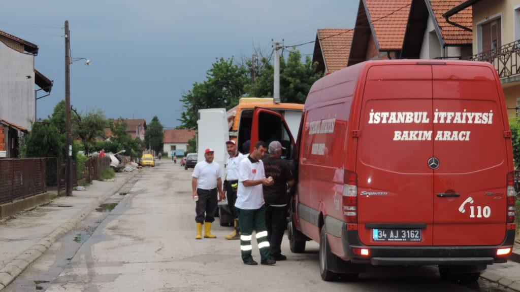 """""""AFAD"""" VLADE TURSKE U BIJELJINI – POMOĆ POPLAVLJENIM GRAĐANIMA"""