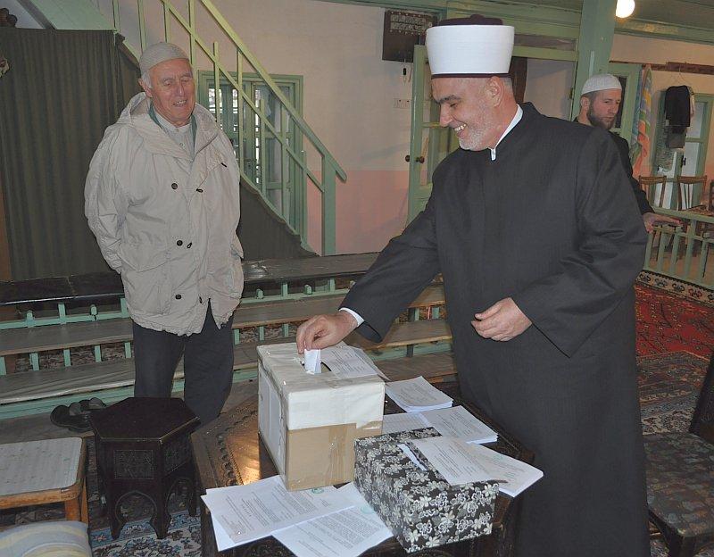 Reisu-l-ulema glasao na izborima u Islamskoj zajednici