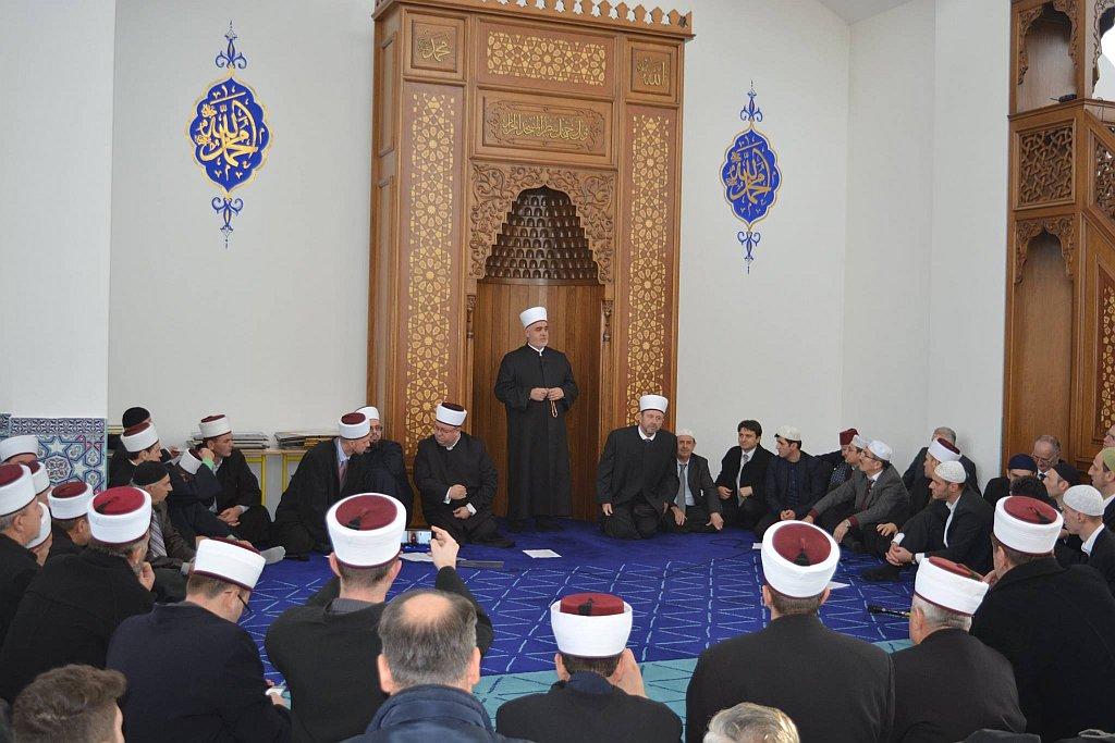 Reisu-l-ulema na mevludskoj svečanosti u Vali Recep Yazicioglu džamiji