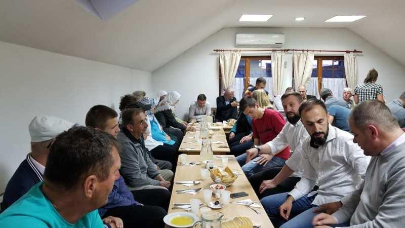 Nastavljaju se zajednički iftari u Mektebskom centru u Bijeljini