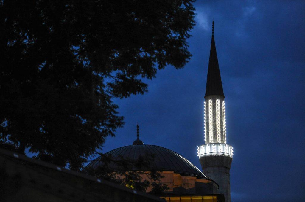 Večeras nastupa mubarek Ramazan, sutra prvi dan posta
