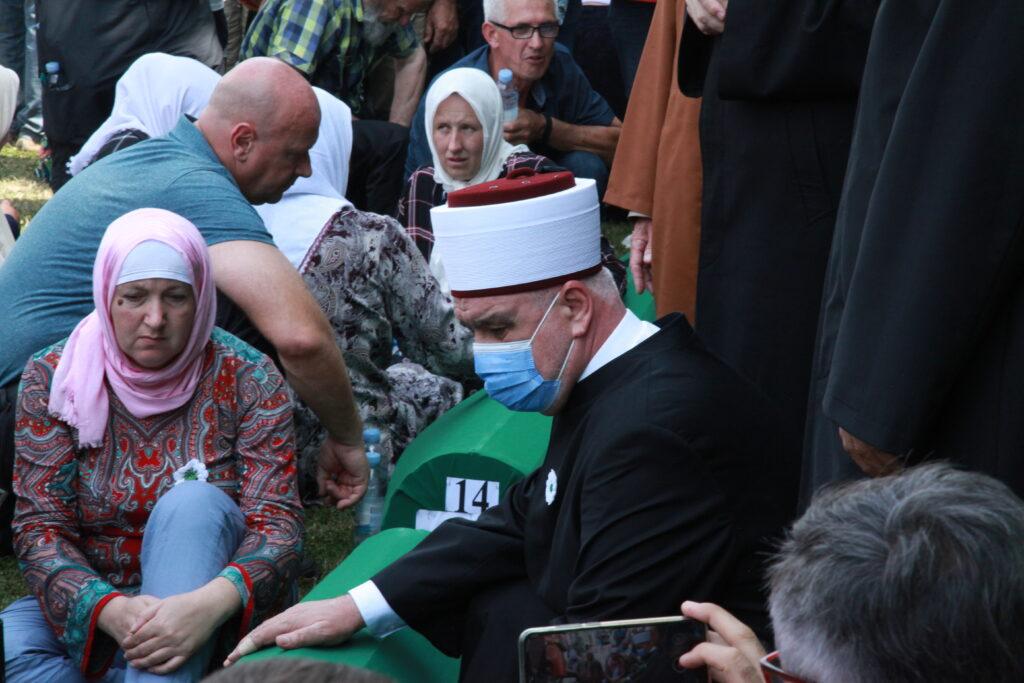 U Potočarima klanjana dženaza za devetnaest šehida, žrtava Genocida