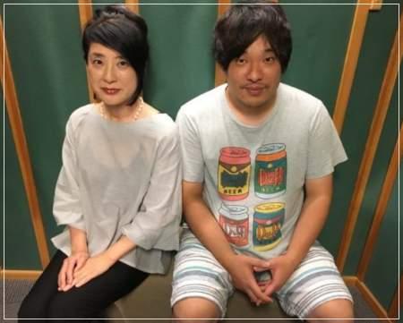岡崎体育と母親ユキコの2ショット画像