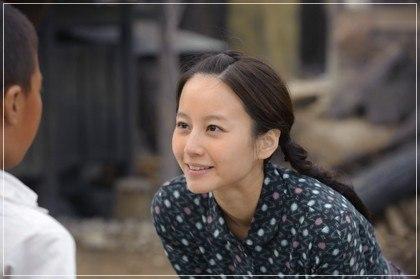 中村倫也の歴代彼女と噂された堀北真希が梅ちゃん先生に出演している時の画像
