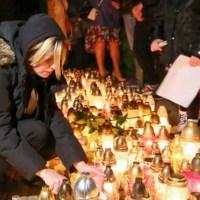 """Konin: Ponad 100 osób na zgromadzeniu po śmierci 21-latka. """"Policja morduje"""""""