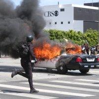 """""""Wezwano Gwardię Narodową, aby stłumić przemoc w Los Angeles"""""""