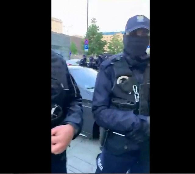 """SZOK !! Prywatna agencja ochroniarska """"policja"""" w służbie buraka z mercedesa."""