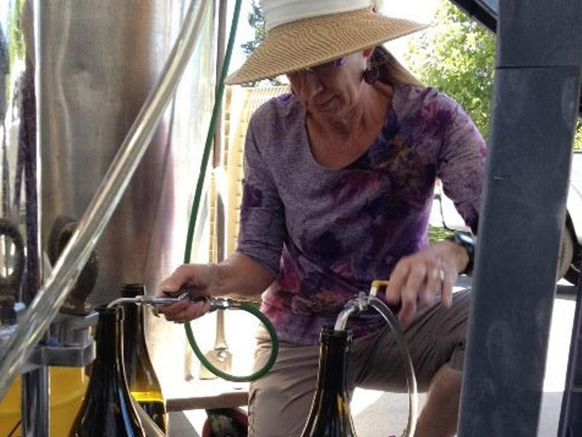 mizner-country-club-news-women-in-wine-1