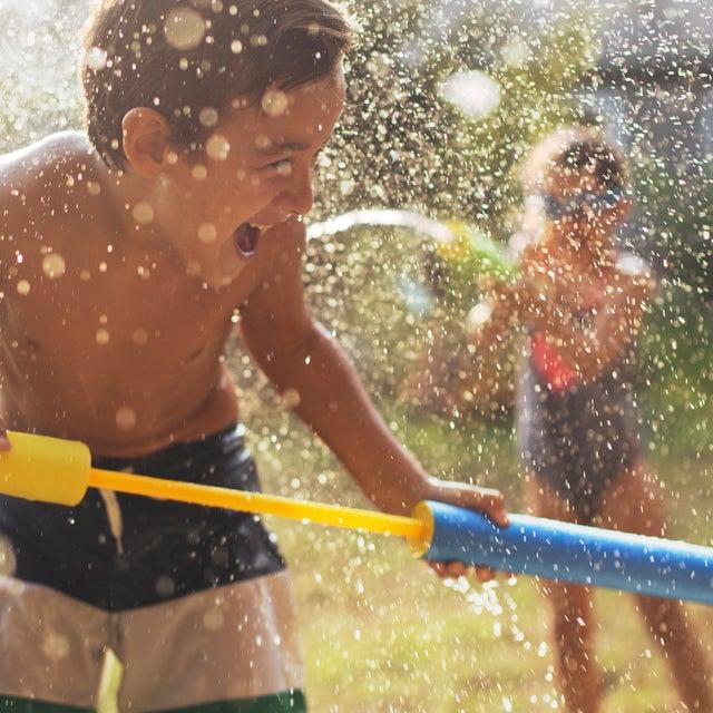 MIZNER-KIDS-CENTRAL-WATER-GUN-FUN