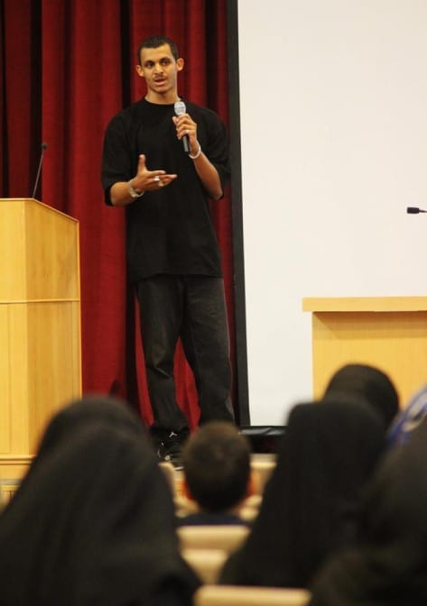 Mizo Amin on stage - Seminar on How to become an athlete