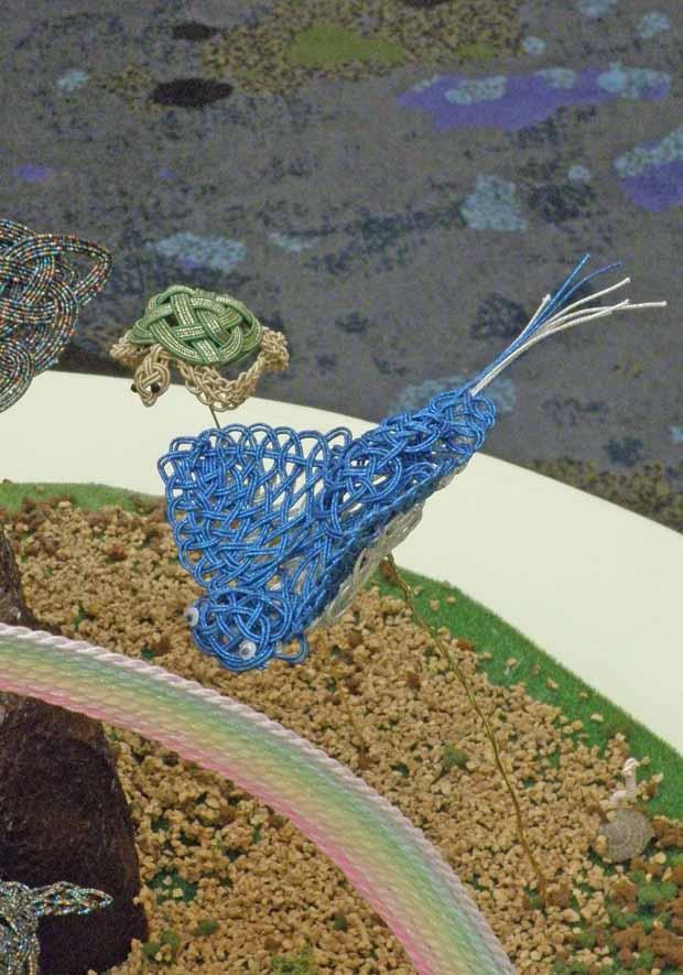 水引アート生徒 近藤 ちさと 作 くじら・エイ・イルカ・クラゲ等 海の生き物 + 虹 「Earth Love 令和の海」写真