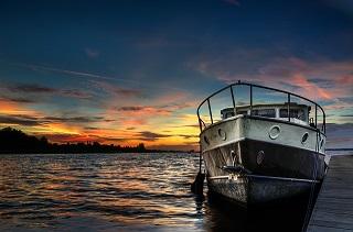 boat-832801_640.jpg