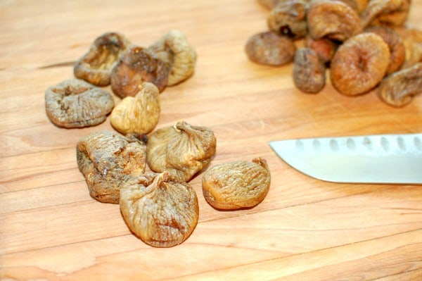 Dried Calimyrna figs for fig bars with oats and walnuts | mjbakesalot.com