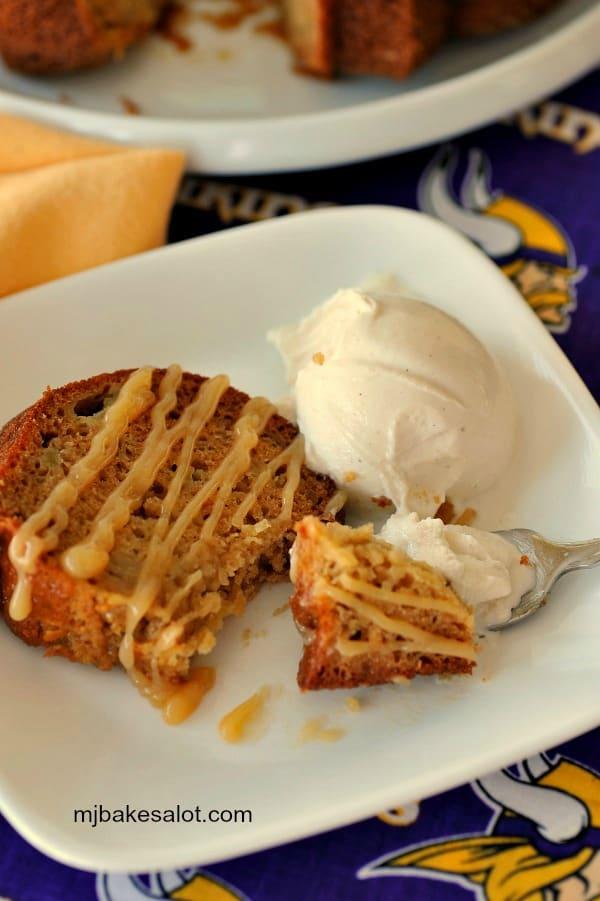A slice of honey apple Bundt cake is a luscious dessert with vanilla bean ice cream. | mjbakesalot.com