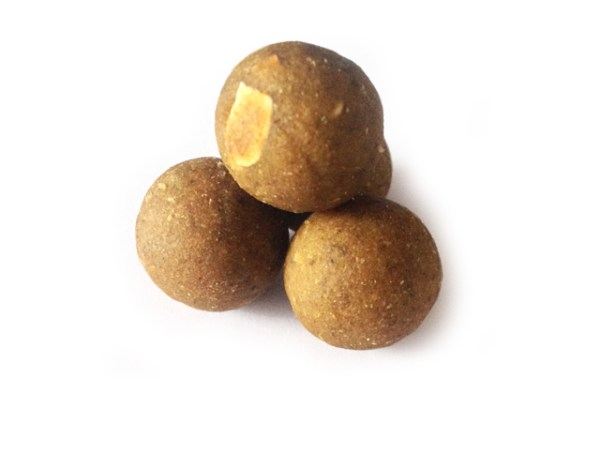 Steamies_krill_and_bloodworm_boilies