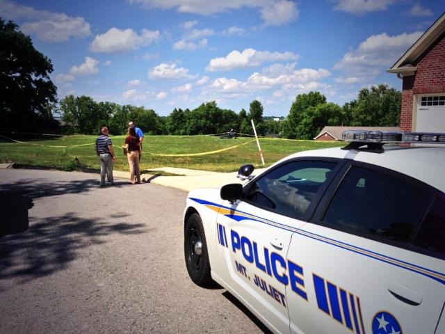 Mt. Juliet Criminal Investigators on Robbery Scene