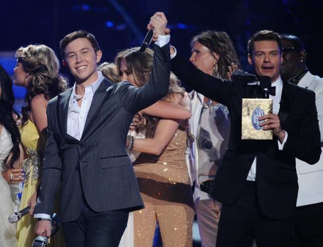 AMERICAN IDOL: Scotty McCreery and Lauren Alaina await the voting results during the season ten AMERICAN IDOL GRAND FINALE at the Nokia Theatre on Weds. May 25, 2011 in Los Angeles, California.  CR: Michael Becker/FOX