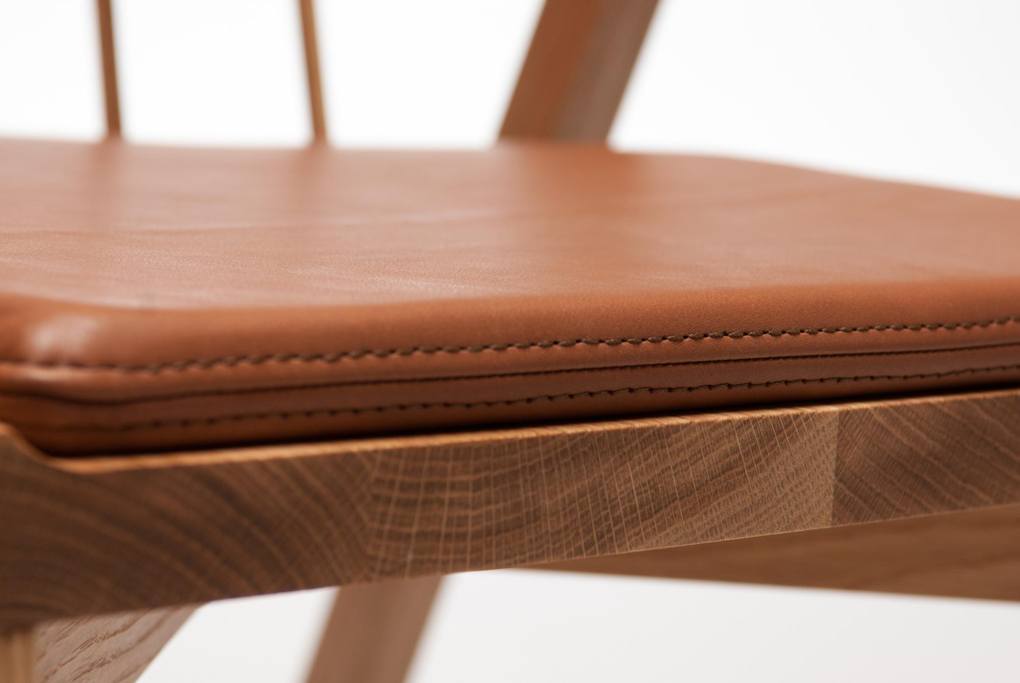 Seat Cushion Black Gold