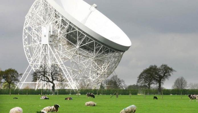 Картинки по запросу Обсерватория Джодрелл-Бэнк