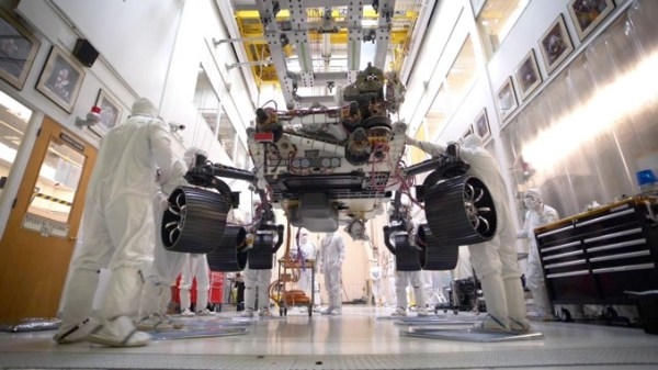 Mars 2020 rover stands on its own in pre-launch milestone ...