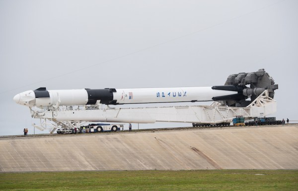 SpaceX's Crew Dragon ready for first test flight ...