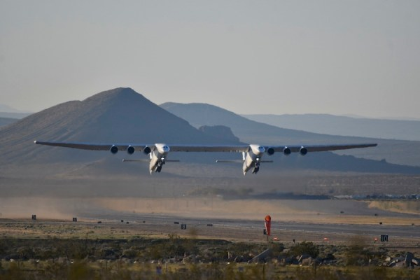 World's largest airplane completes first flight ...