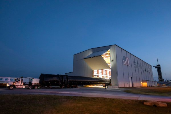 First Falcon Heavy night launch slips to June 24 ...