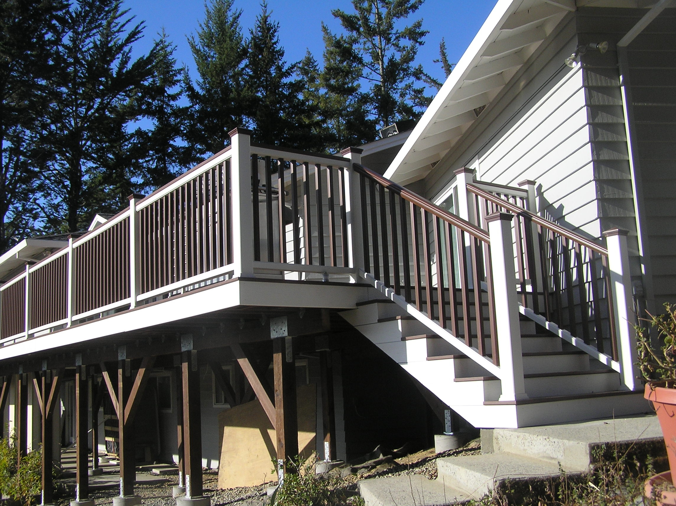 Attaching Bottom Deck Posts Thisiscarpentry | Attaching Handrail To Post | Spindles | Newel Post | Stair Handrail | Baluster | Rim Joist