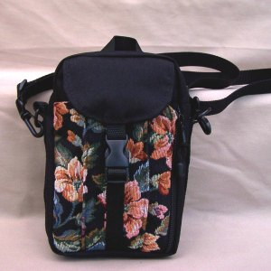 tapestry-purse-tall-black-roses