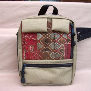 tapestry-purse-tall-plus-tan-crimson