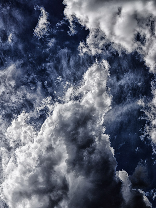 Cloud-abstracts-kissing-clouds-04