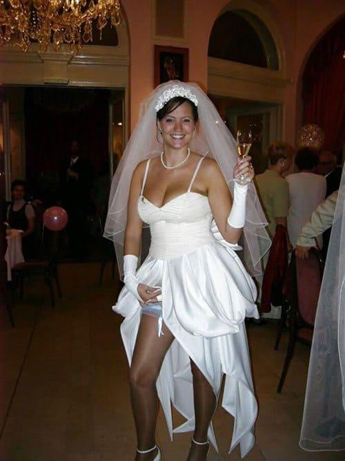 Сексуальные невесты в белых чулках с подвязками (30 фото ...