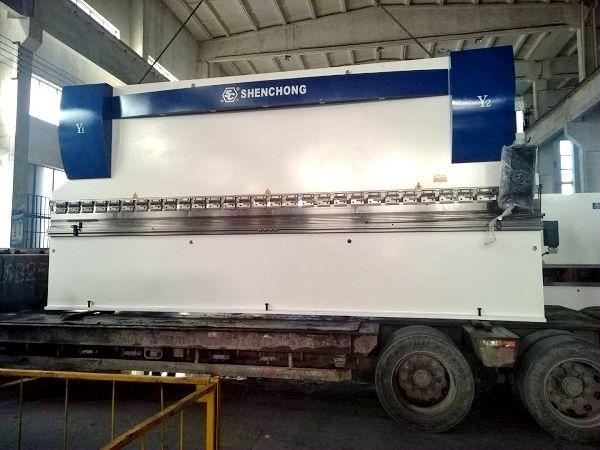 CNC Hydraulic Press Brake Large Color Steel Plate Bending Machine