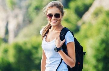 Ходить нужно в удобной обуви и без сумок в руках
