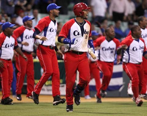 Cuba celebra triunfo ante Puerto Rico