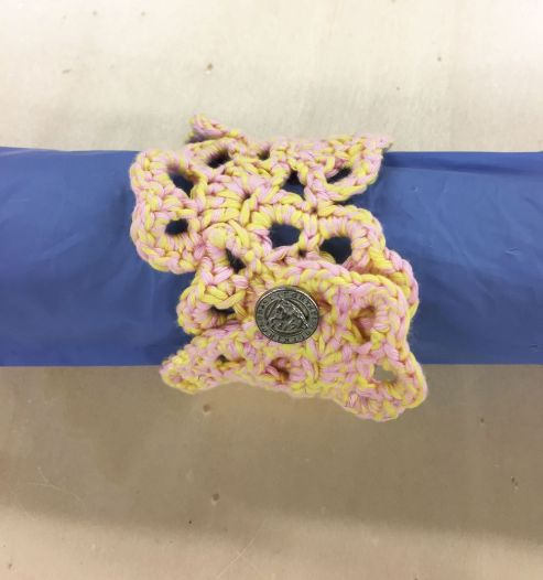 Bracelets-flowers_support-jaunerose