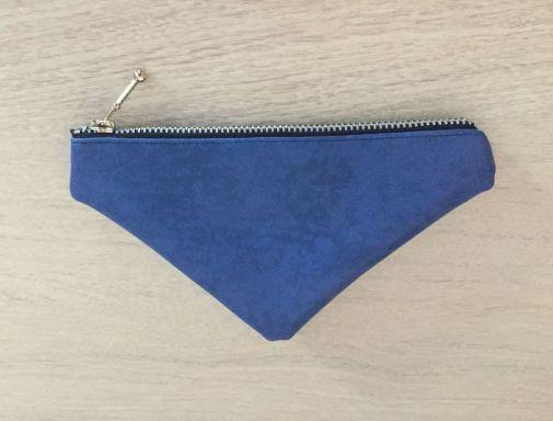 Porte-monnaie-bleu_face-bleur-fonce