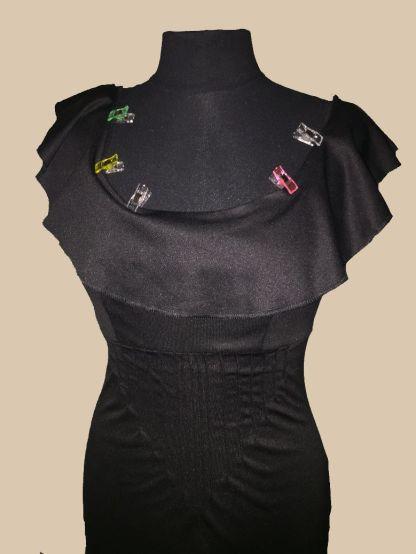 Robe-noire-custom_positionnement-froufrou