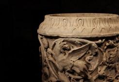 厄洛斯与狮鹫雕刻瓶