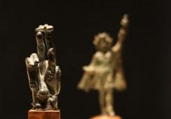 青铜魔力之手