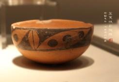 豆荚纹彩陶钵