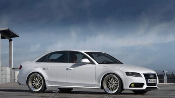 Audi A4 2.0TDI skidanje menjača i zamena kvačila